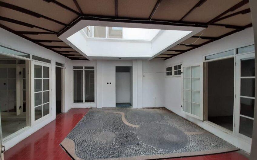 Rumah di jual Jl Belitung